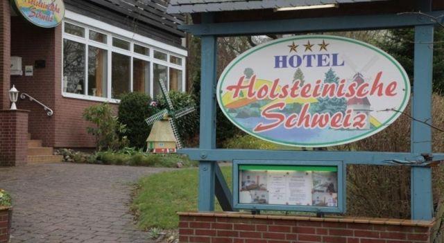 Hotel Holsteinische Schweiz - 3 Star #Hotel - $52 - #Hotels #Germany #Malente http://www.justigo.com/hotels/germany/malente/holsteinische-schweiz_223063.html