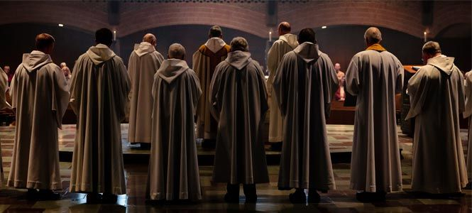 The monks pray and celebrate daily the Liturgy of the Hours and the Liturgy of the Eucharist in the Abbey Church.