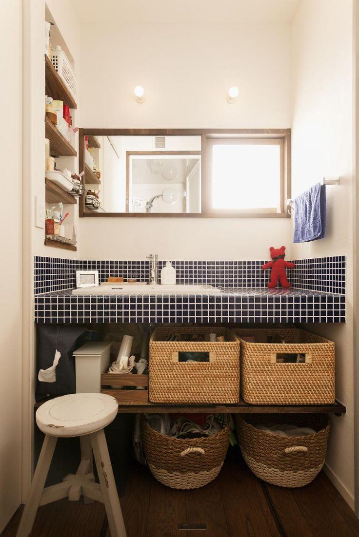 ブルータイルを使った明るい洗面室(K邸・最大限の空間を確保した上質な ... バス/トイレ事例:ブルータイルを使った明るい洗面室(K邸