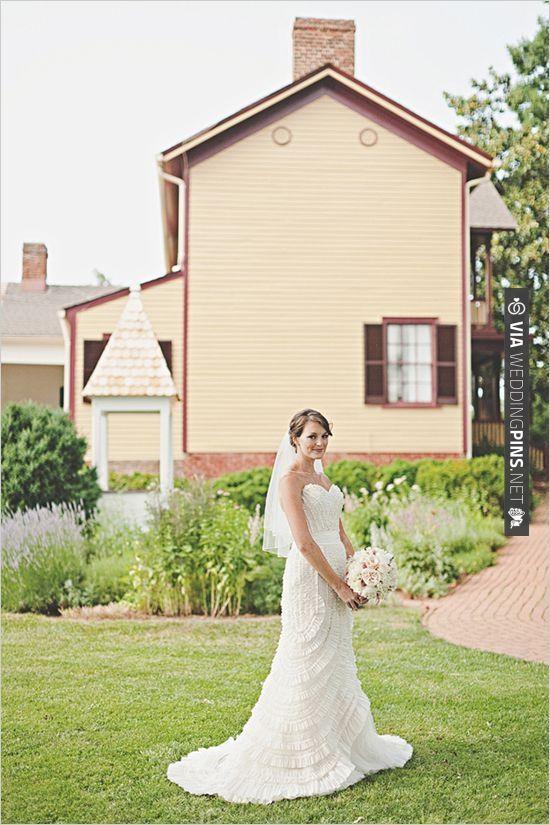 la sposa wedding gown | CHECK OUT MORE IDEAS AT WEDDINGPINS.NET | #bridesmaids