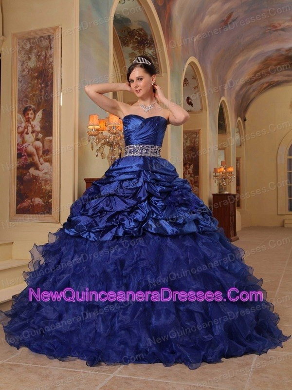 What color should my quinceanera dress be quiz