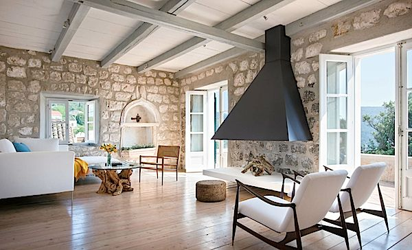 Lucien Rees Roberts' vacation home Villa San Spirito on an island off the coast of Croatia from Designers Abroad by Michele Keith
