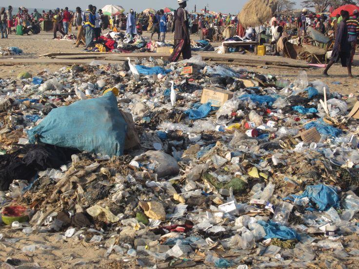 Dit is beetje jammer strand bij Tanji #gambia