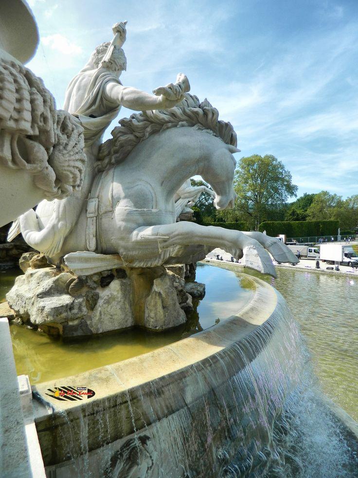 Wien, Schönbrunn Palace Garden, Nikon Coolpix L310, 4.5mm, 1/640s, ISO80, f/3.1, +0.7ev HDR-Art photography, 201605211557