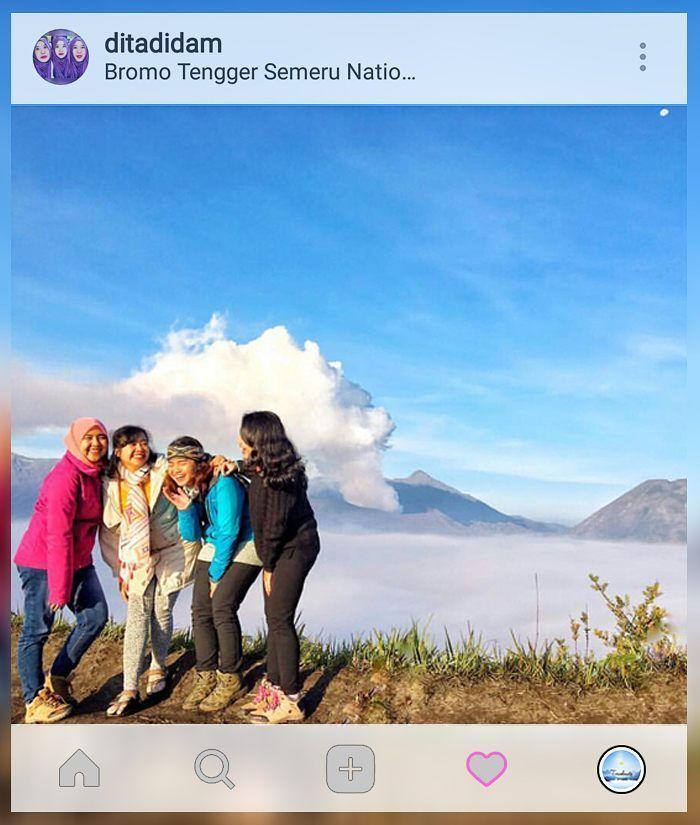 Don't stop laughing because you grow old. tag your travelmate  . . location : #Gunung #Bromo . . Gunakan hashtag #travelmate siapa tau foto kamu selanjutnya yg kami repost  . . . #pendakiceria #blueskies #love #work #hijab #sports #travel #nature #sky #portrait #girls #traveling #vacation #mountain #hiking #pendakicantik #trekking #topofmountain #jalanjalan #jalanjalankuy #parapejalan #indotravellers #pendakicantik #kartini #instadaily #BromoTengger Travelmate Today IndonesiaTravelmate Today…
