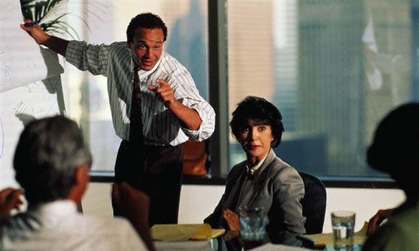 Тесты для руководителей и специалистов способствуют развитию лидерских способностей.