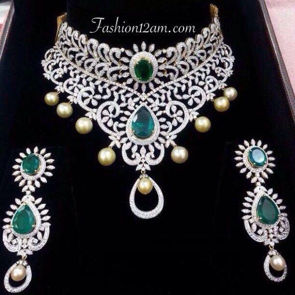 Diamond and Emerald Choker necklace