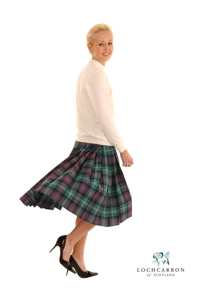 When it comes to 'evening dress' the situation improves fairly dramatically with the option of inspiring tartan dresses or the much simpler tartan sashes. Highland women wore something very similar to the men's plaid called the earasaid, the English form of which is arisaid.