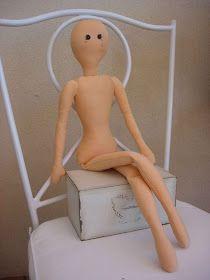 Ricevo tantissime mail damolte di voi che desiderano realizzare una bambola di stoffa; finalmente ho avuto un pò di tempo per riordina...