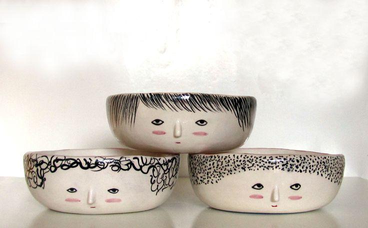 Moe, Larry y Curly en tu mesa! 14 cm de diámetro x 5 cm de alto.El precio publicado es por los tres.