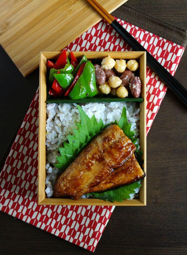 Japanese Boxed Lunch, Bento, 秋刀魚のかば焼き弁当
