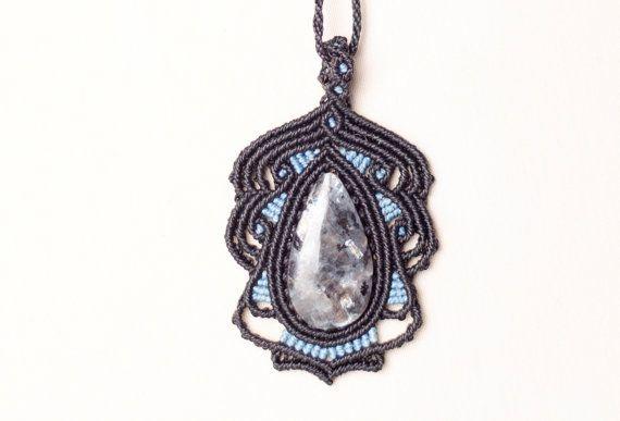 Ketting in macrame met veldspaat, natuurlijke edelstenen, sieraden, zwart, blauw, geschenk, Dame, elegant, bohemien, zei, rococo