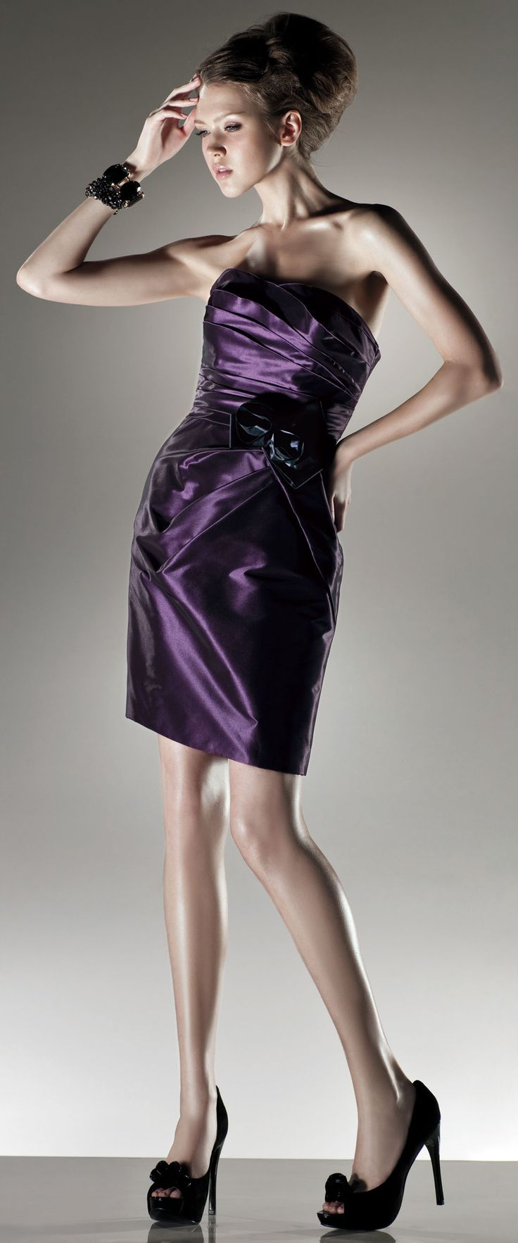 Elegant Pleated Taffeta Short Length Dress If it were floor length....it also