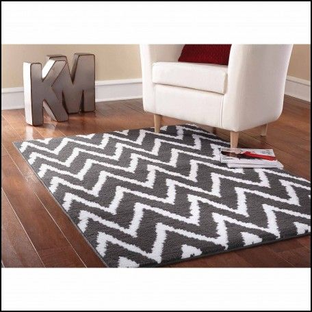 Mainstays Distressed Zig Zag Cinder Area Rug Gray White This One Looked Even Better In The
