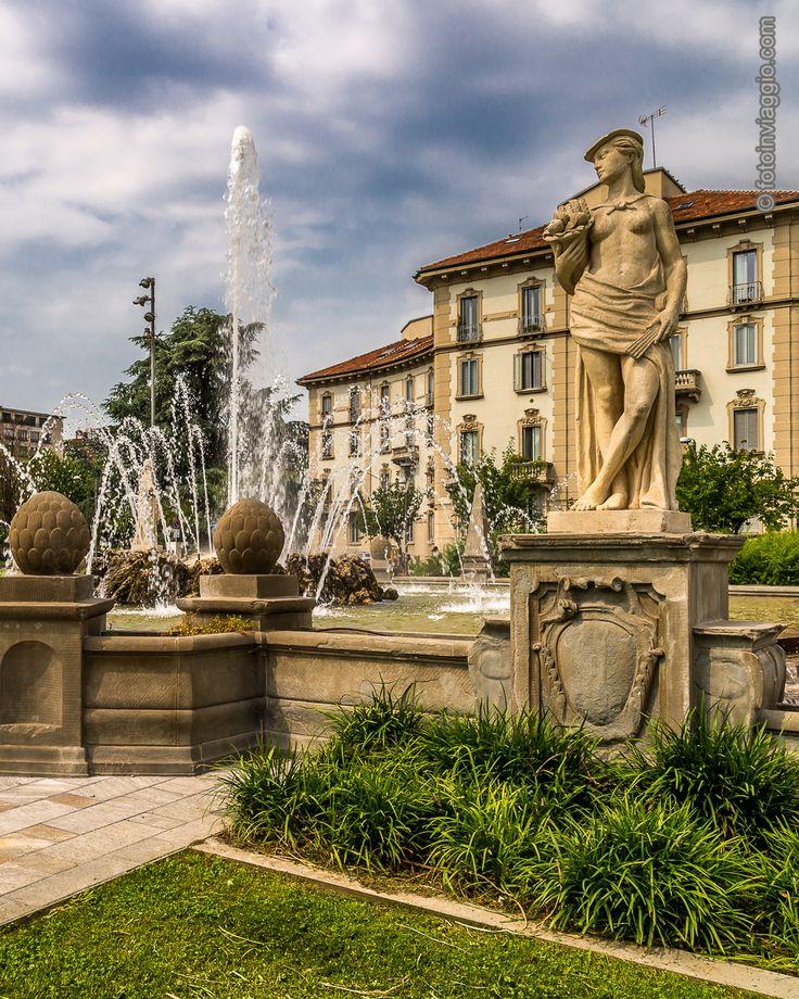 Fontana delle Quattro Stagioni | Milano (MI) - Italia ###################################Uno scorcio della #fontanadellequattrostagioni in piazza Giulio Cesare. Un posto dove #antico e #moderno si fondono e la #vecchiamilano vive in armonia con la nuovissima #citylife .  #fotoinviaggio #nofilter #europa #italy #italia #lombardia #milan #milano #milanocitta #davedere #davedereamilano #turismointerno #fontana #quattrostagioni #piazzagiuliocesare #nikonitalia #nikon #nikond610 #d610 #lightroom