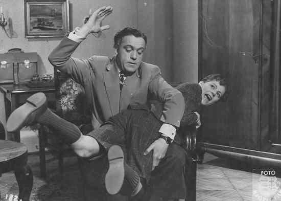 Szabó Sándor ismertebb filmszerepei: Janika (1949);  Különös házasság (1951);  Déryné (1951); Rákóczi hadnagya (1953); Kétszer kettő néha öt (1954); Egy magyar nábob (1966); Fekete gyémántok I-II. (1976)...