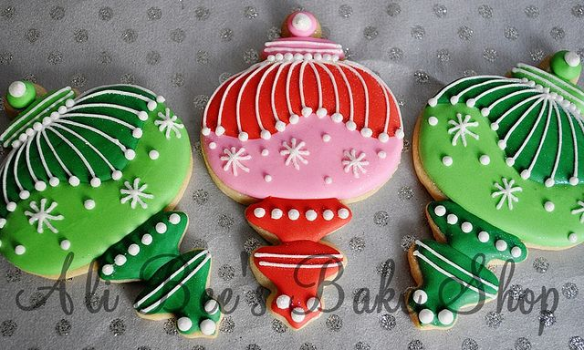 Gorgeous Christmas Ornament Cookies!