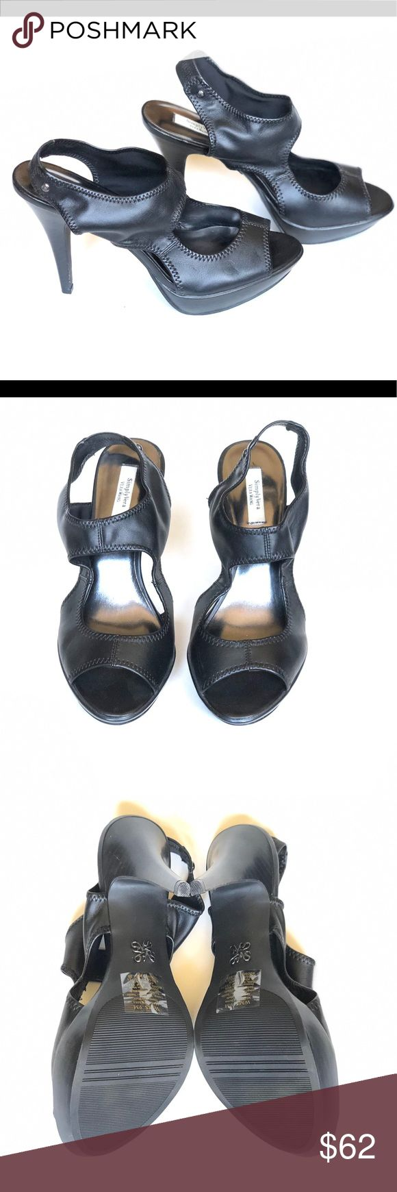 SIMPLY VERA WANG Black High Heels 9M SIMPLY VERA WANG Black High Heels 9M. Heel is 5 inches. Some very minor scrapes on heel. These are in excellent condition. Simply Vera Vera Wang Shoes Heels