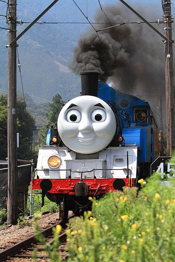 2014年に大井川鐡道で 機関車トーマス 蒸気機関車C11_227が走った!