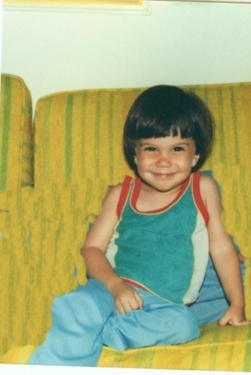OMFG FRANK IERO AS A LITTLE KID THIS IS THE MOST ADORABLE THING EVER THIS MAKES MY LIFE COMPLETE HJFKELLDBJERIGB.