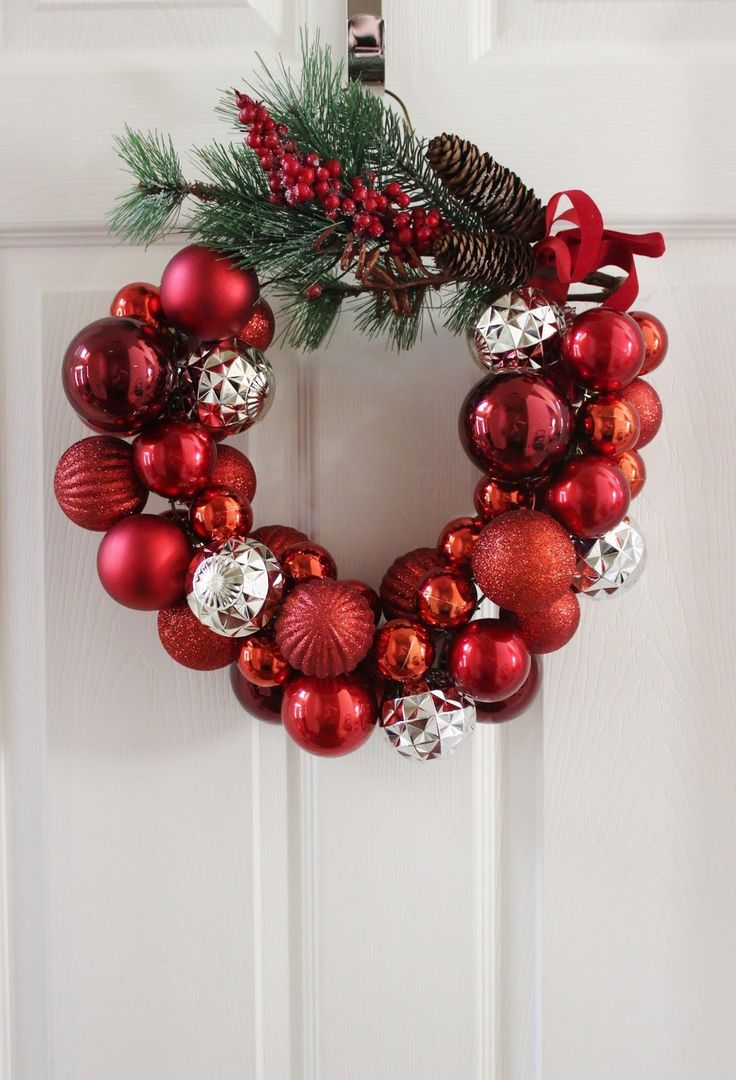 How to Make a Christmas Ornament Wreath with a Wire Hanger