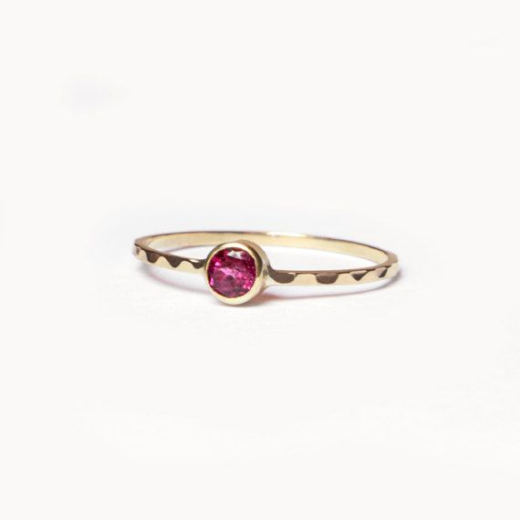 Garnet Ring, Round Cut Ring, Gold Ring, Wave Ring, Promise Ring, January Birthstone Ring, Engagement Ring, Natural Gemstone Ring
