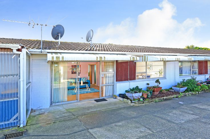 Centrally located this cheerful 2 Bedroom unit with heaps of potential will have wide appeal from first home / downsizing / investor / value added buyers alike, looking for affordability and convenience. Low maintenance, light, bright and peacefully situated in a block of 6 this features spacious lounge, separate kitchen, bathroom, separate toilet and an allocated single carport with plenty off street parking.
