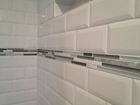 Bathroom tile idea -- white subway tiles with gray accents - Love this... would like a blue or a green too... maybe even a yellow would be cool!