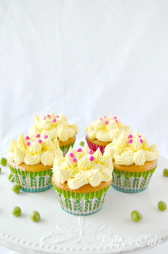 Cupcakes de coronas y guisantes para La princesa y el guisante