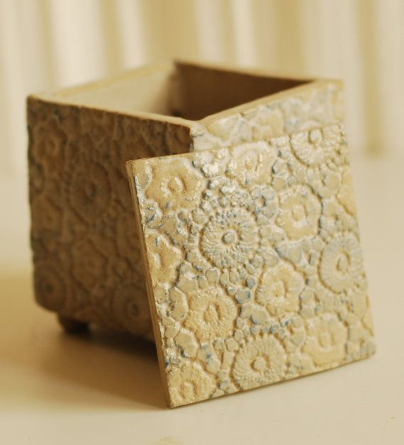 lace ceramic box.