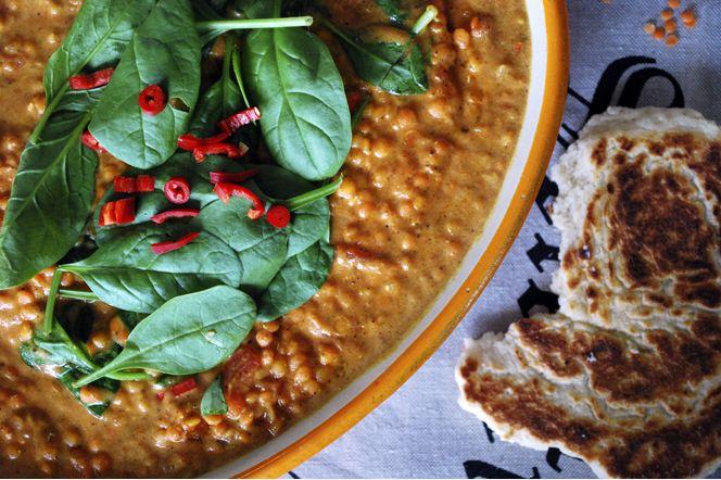 Kryddig linsgryta och stekpannebröd - Kung Markatta recept