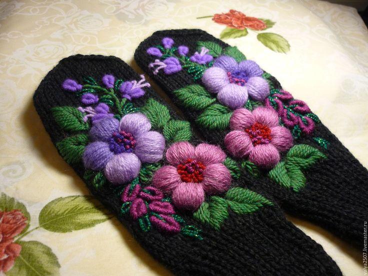 """Купить Варежки с ручной вышивкой,""""Лиловая сказка""""ручная работа - черный, цветочный, варежки с вышивкой"""