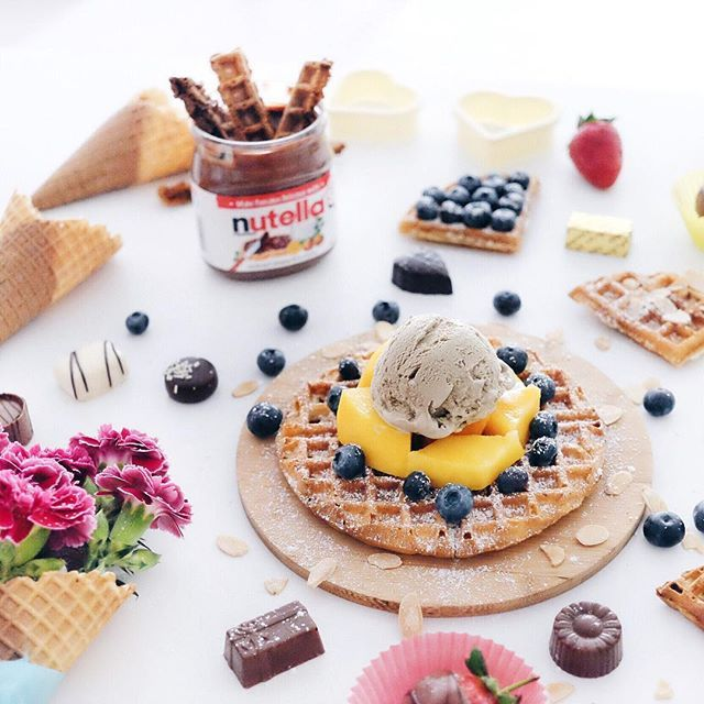 Good waffle on a Good Friday! Happy long weekend and Happy International Waffle Day peeps! #letsnomnomSydney #homemade #flatlay #theflatlaysquad #waffles #icecream #zomato #nutella #foodporn #foodpic