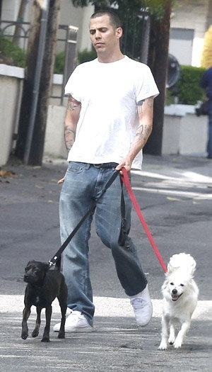 Can your pet help you with your #sobriety? It did for #Steve-O! http://yhoo.it/SDKGoS