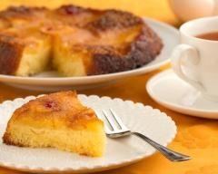 Gâteau renversé à l'ananas et au lait de coco : http://www.cuisineaz.com/recettes/gateau-renverse-a-l-ananas-et-au-lait-de-coco-46278.aspx