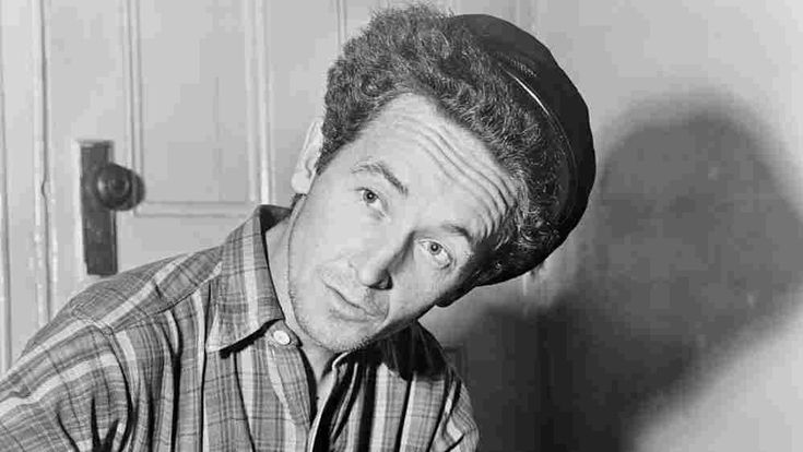 Folklorist Nick Spitzer tells the story of Woody Guthrie's leftist national anthem.
