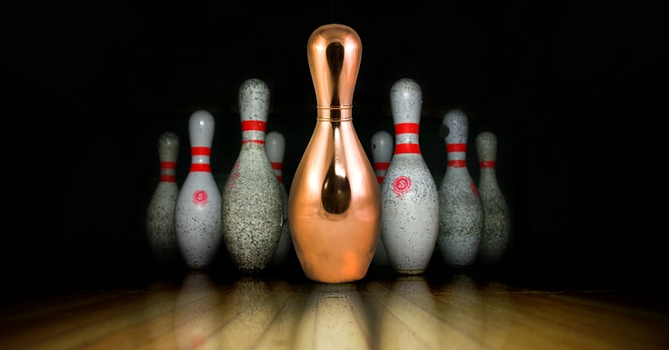 Bowling, ...coated with shiny copper, thus creating a unique prize!