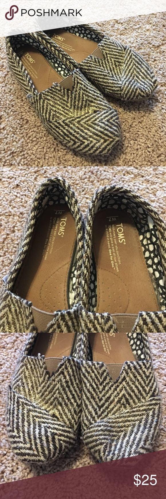 Sparkle Chevron Tom's GUC Good used condition Toms.  These are a sparkly brown/good chevron.  No box available. Toms Shoes Flats & Loafers