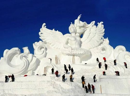 Mrazivá kouzla: Nejlepší ledové festivaly | 100+1 zahraniční zajímavost