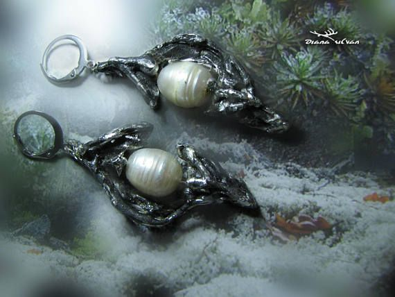 Fresh water pearl earrings Aeonagh in ancient