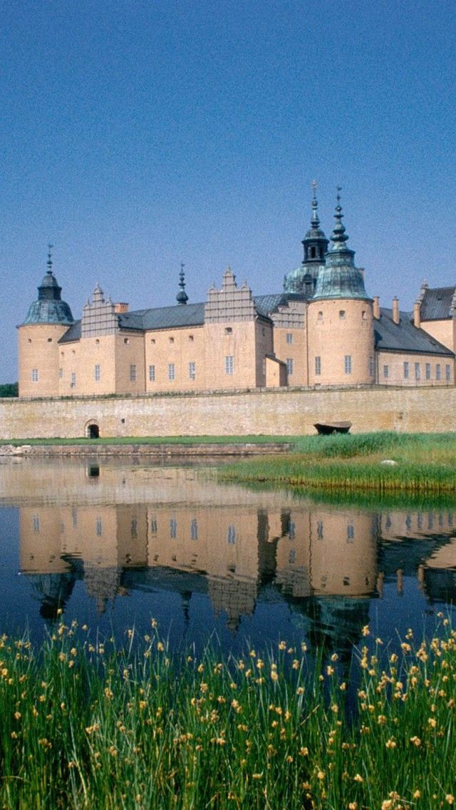 Kalmar-Castle-Smaland-Sweden  Lots of water, and lots of circular designs in architecture.