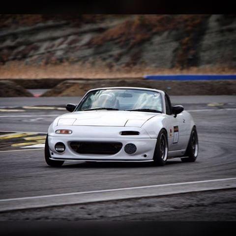 This front bumper is sooooo clean!  #ロードスター#eunos#mx5#na#s2racing#miata#rev9autosport
