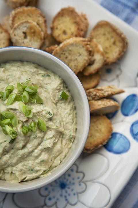 Trempette de saumon et croustilles de bagel #recettesduqc #entree #bouchees