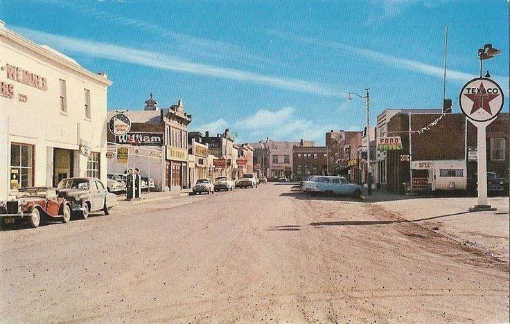 50th Street , Lacombe Alberta Canada .