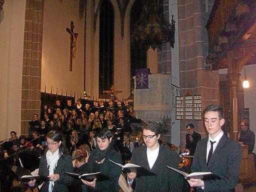 Eine beeindruckende Leistung präsentierten die Schüler bei der Klangrede zum dritten Advent.  Foto: Mikulcic Foto: Schwarzwälder-Bote