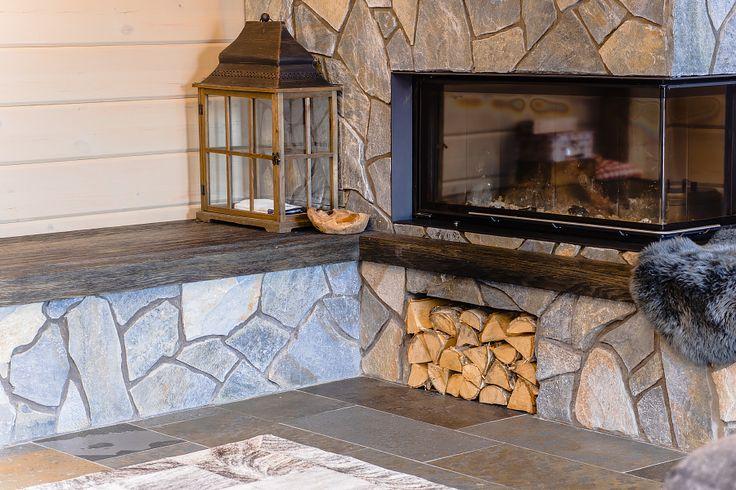 Камины из камня, камин из натурального камня. Камин из кварцита, натуральный камень, плитка, сланец, кварцит, песчаник, травертин Fireplaces made of stone, natural stone fireplace. Fireplace made of quartzite, natural stone, tile, slate, quartzite, sandstone, travertine