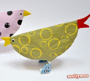 You will NEVER believe what the Top Secret Chicken Craft is made out of... it looks so amazing! Animal crafts for kids are so much fun.