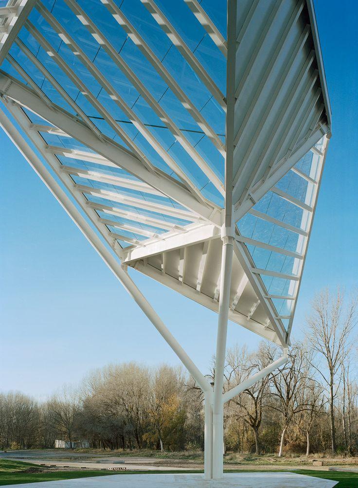 moneo brock studio: glass pavilion in cuenca, spain