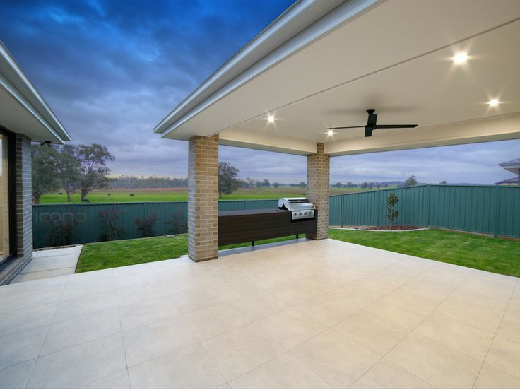 Outdoor living with view of the countryside! #Robersonconstruction #iconobuildingdesign #outdoorliving #barbeque #Australianhomes