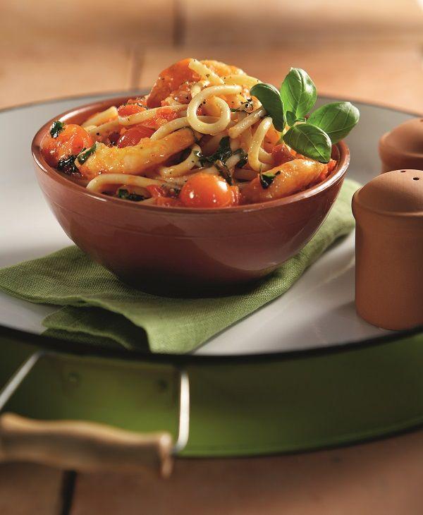Εμείς τα ξέρουμε ως μακαρόνια παστίτσιου, οι Ιταλοί πάλι ονομάζουν αυτό το ζυμαρικό τους  bucatini. Όπως και να τα πείτε το σίγουρο είναι ότι δημιουργούν πολύ νόστιμα πιάτα και ταιριάζουν υπέροχα με κόκκινες σάλτσες.